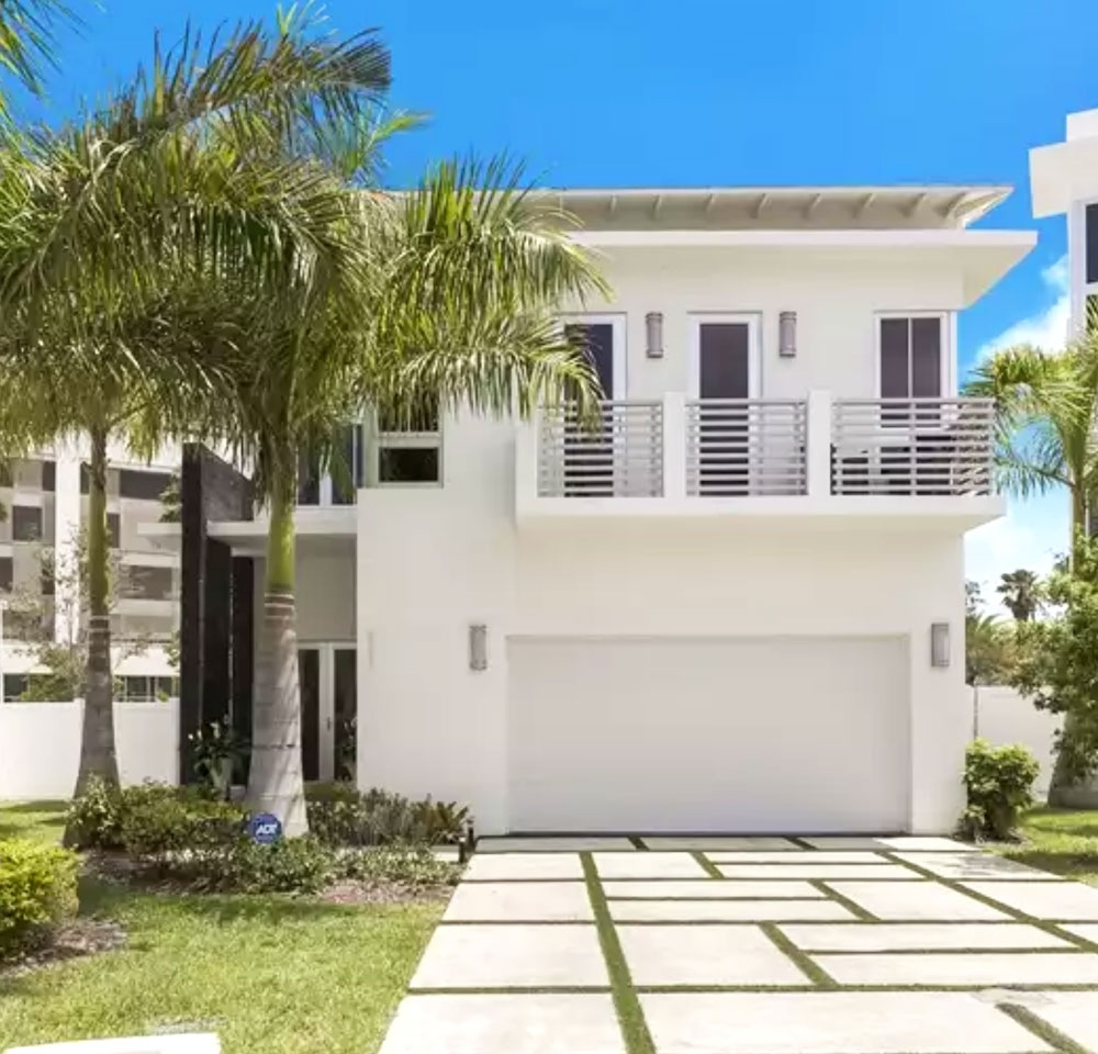 8221 NW 34th Dr, Doral, FL 33178 at Oasis Park Square